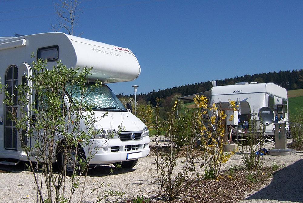 Wohnmobil auf dem Campingplatz Arterhof in Bad Birnbach