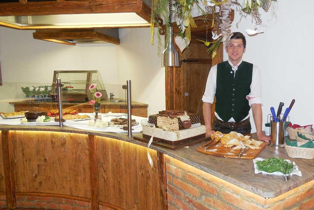 Schlemmerbuffet mit Show-Cooking im Wirtshaus am Arterhof