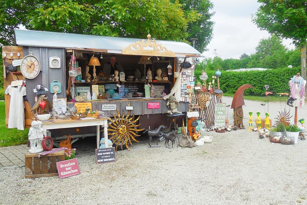 Kunsthandwerkermarkt beim Pfingsthoffest auf dem Arterhof in Bad Birnbach
