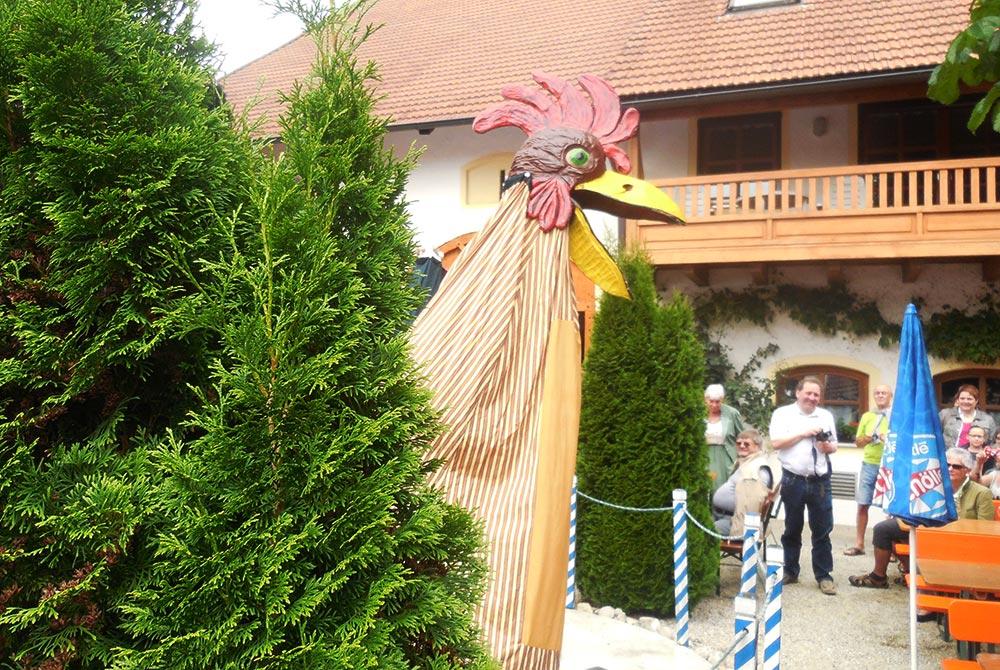 Auftritt der Wasservögel beim Pfingsthoffest auf dem Arterhof in Bad Birnbach