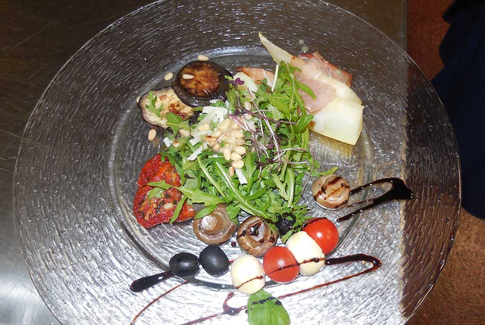 Auf dem Arterhof gibt traditionelle Bayerische wie auch internationale Küche