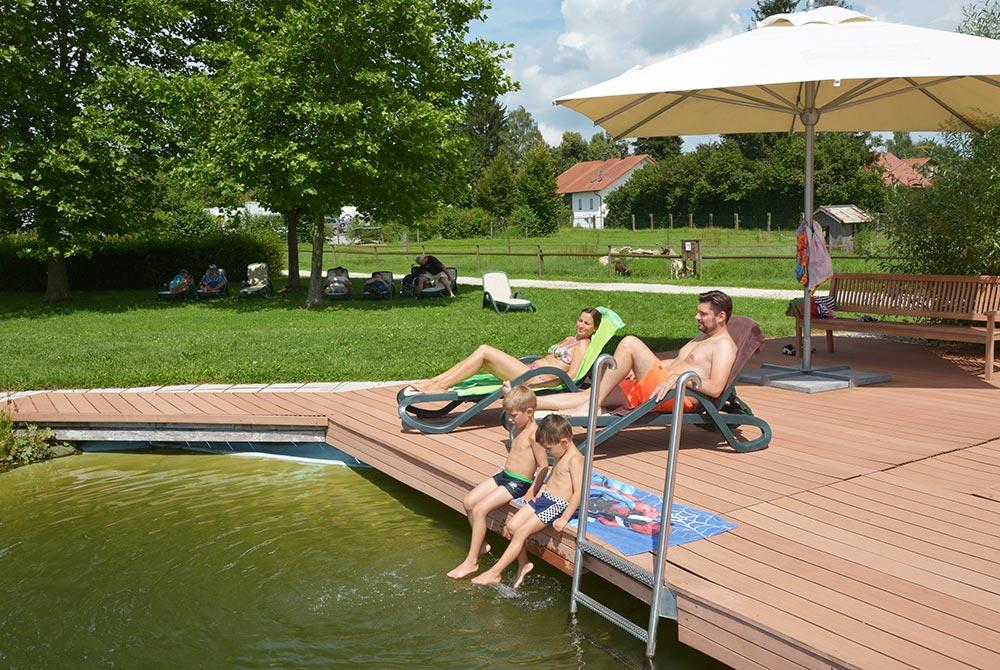 Erholung am Badesee auf dem Campingplatz Arterhof
